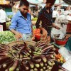 বাজারে বিপুল সরবরাহ থাকলেও রমজানে দাম কিন্তু চড়া
