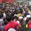 বসুন্ধরা সিটিতে শতাধিক আইফোন জব্দ : ব্যবসায়ীদের বিক্ষোভ