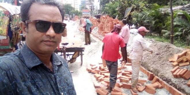 সাভারে মহাসড়কের কাজ চলছে নিম্ন মানের ইট-বালু দিয়ে